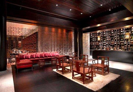 jade-restaurant-lobby.jpg