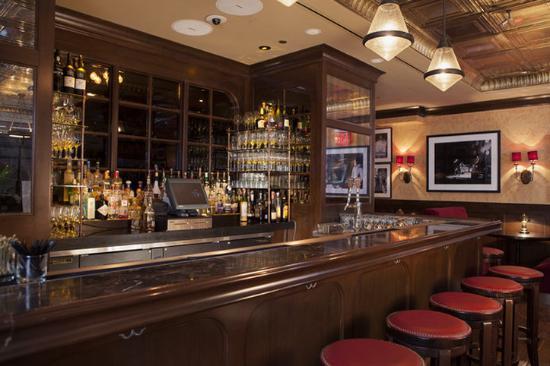 the-bar-at-grape-vine.jpg