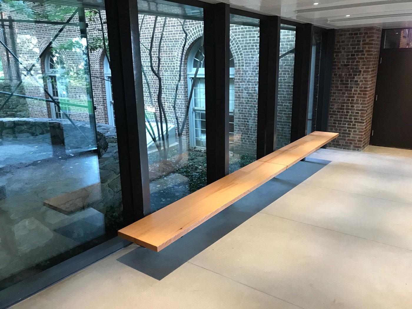 tate-vestibule-bench3